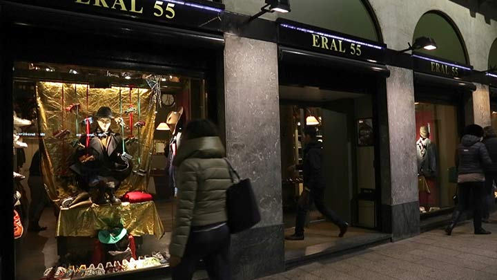 Dynamic shop window lighting of high end men's clothing store Eral 55 in Milan